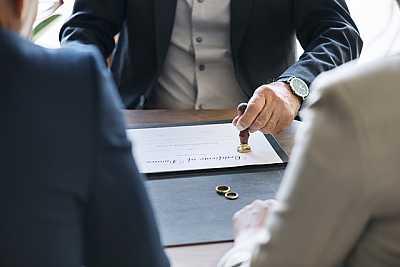 Avvocato specializzato in cause di divorzio e separazione articolo
