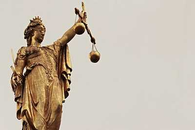 Dea Giustizia + Avvocato esperto in mobbing: trova il tuo Avvocato