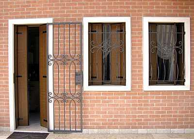 Foto articolo grate di sicurezza per finestre e porte