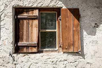 Scuretto in legno articolo