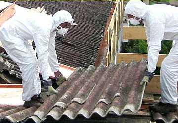 Foto articolo come viene smaltito l'amianto