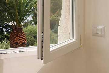 foto articolo montaggio finestra pvc