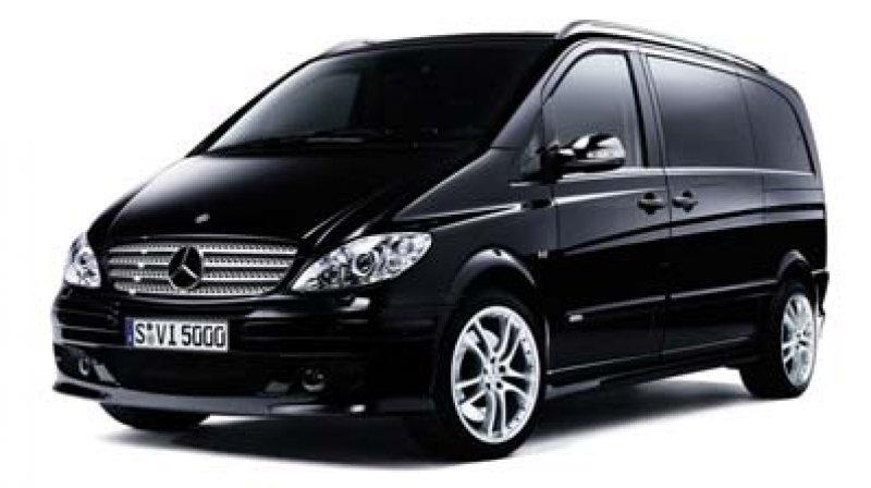 Noleggio Malpensa trasferimenti minibus Limousine Minivan Mercedes ncc Taxi privato Milano Como Vare Foto
