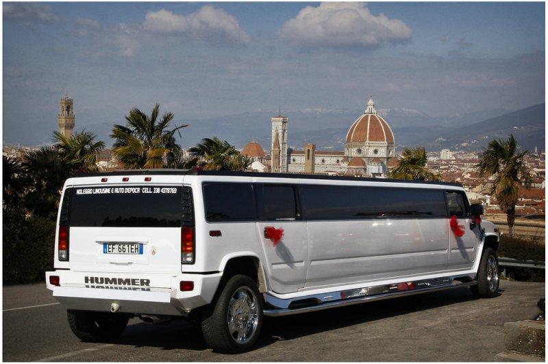 Noleggio limousine toscana Foto 8