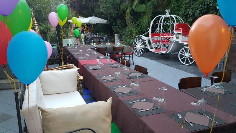 Organizzazione Eventi e Noleggio Malpensa trasferimenti minibus Limousine Minivan Mercedes ncc Taxi  Foto
