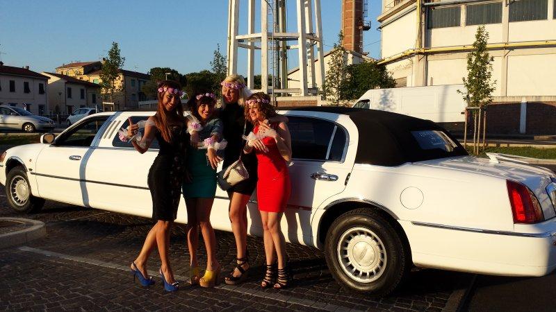limousine service lucca Foto 3