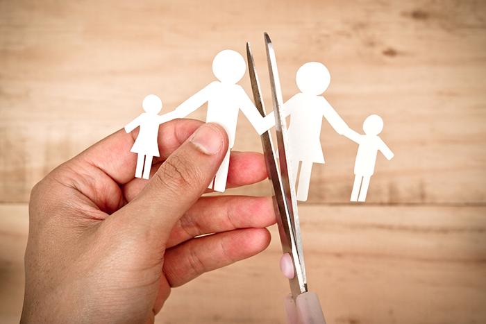 Abbandono casa coniugale con figli