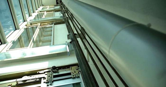ascensore elettrico installato in un palazzo