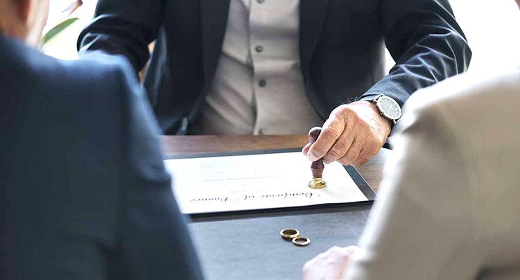 Consulenza legale per separazione con addebito