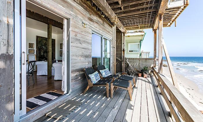 foto casa prefabbricata in legno in riva al mare