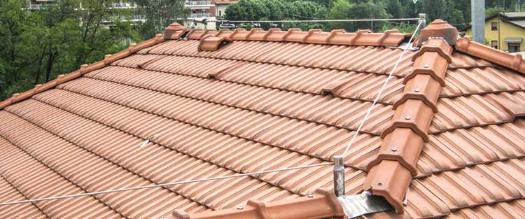 Installazione linee vita sul tetto