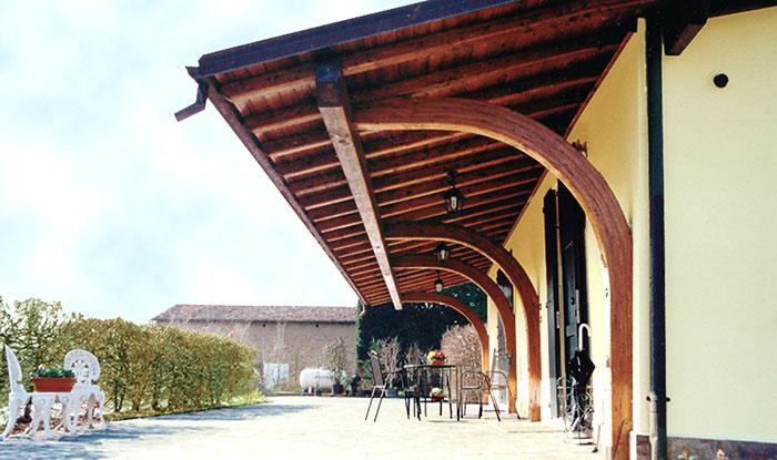 costo porticato in legno a sbalzo