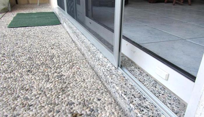Prezzi zanzariere in commercio a rullo a battente scorrevole - Zanzariere porta finestra prezzi ...
